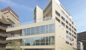 TRƯỜNG  COLLEGE  OF BUSINESS AND COMMUNICATION ( TOKYO)